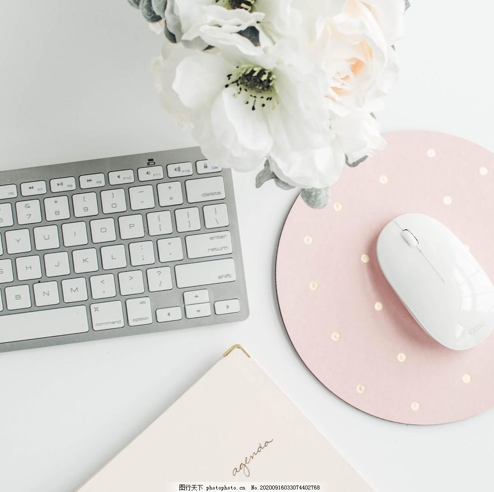 办公桌上的键盘,键盘鼠标手机,桌面办公文具,商务,办公场景,电脑,办公室